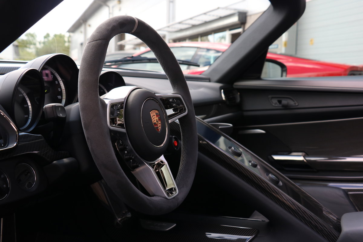2015 Porsche 918 Spyder Weissach Package - Just Serviced For Sale (picture 4 of 6)