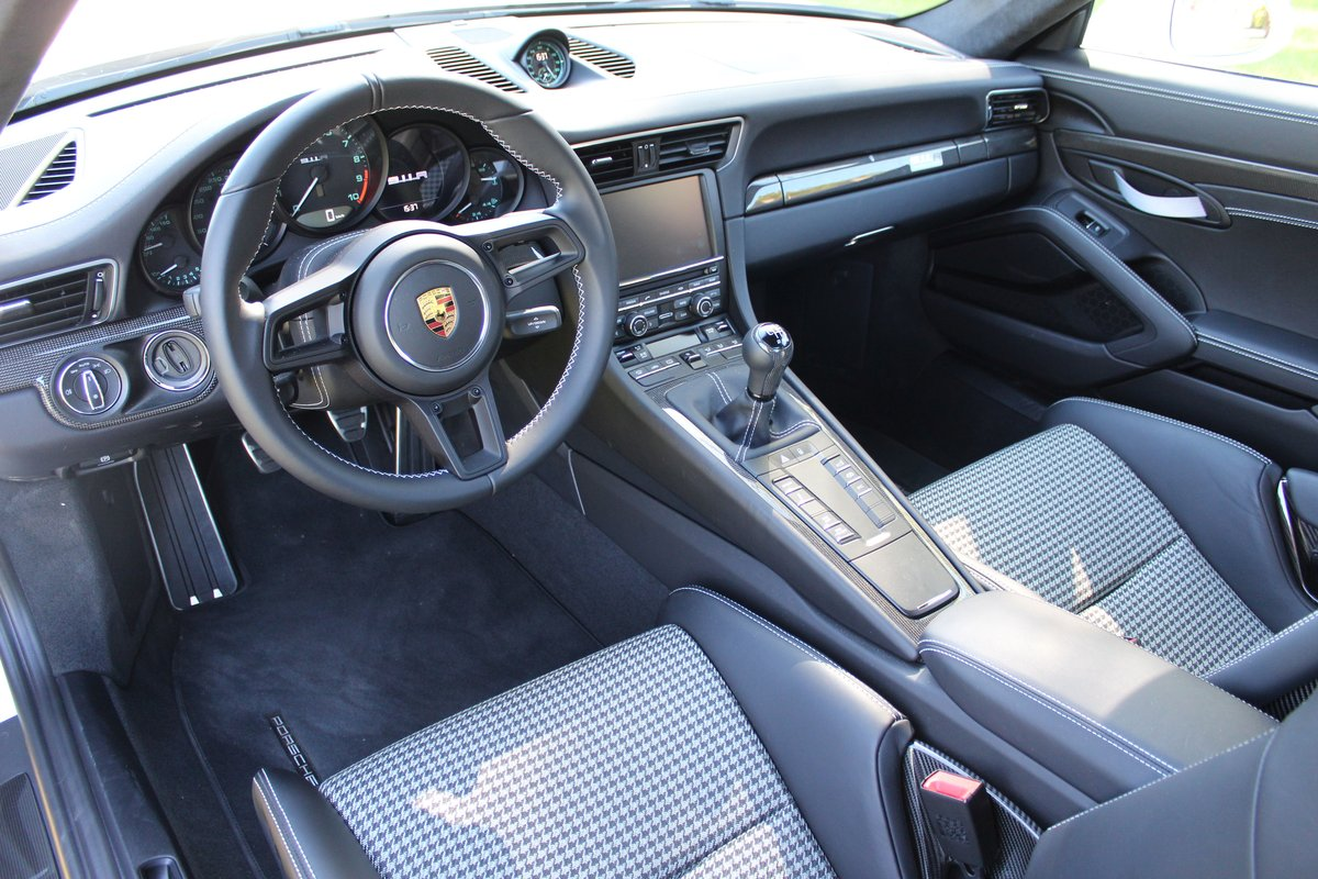 2016 Porsche 911 R No 359/991 For Sale by Auction (picture 5 of 6)