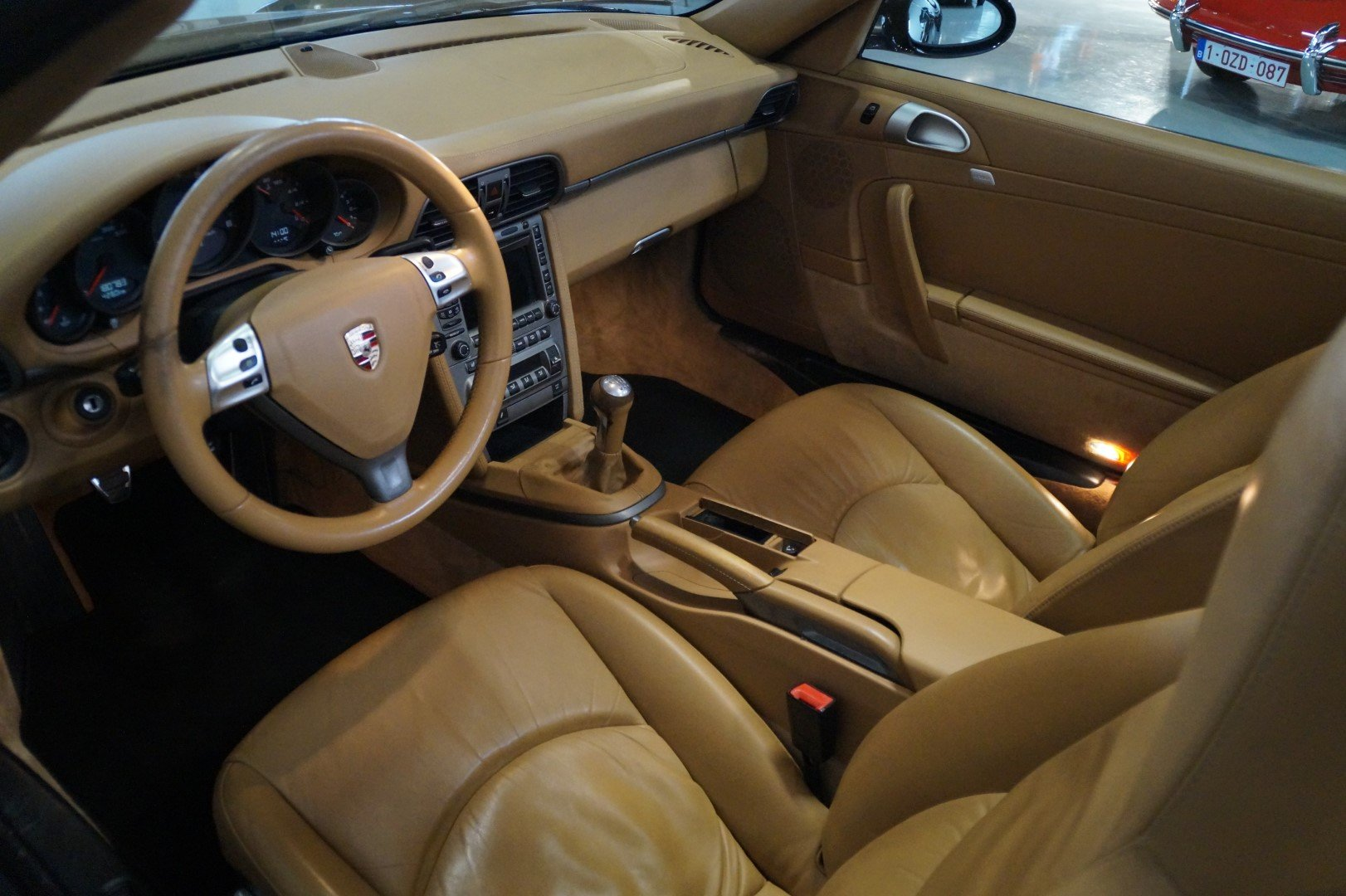 PORSCHE 911 997 Carrera 2 Convertible MANUAL!!! (2006) For Sale (picture 3 of 6)