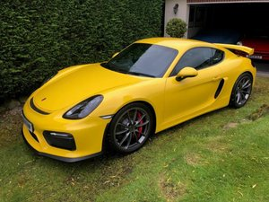 2016 *SOLD*:  PORSCHE CAYMAN GT4 only 680 miles