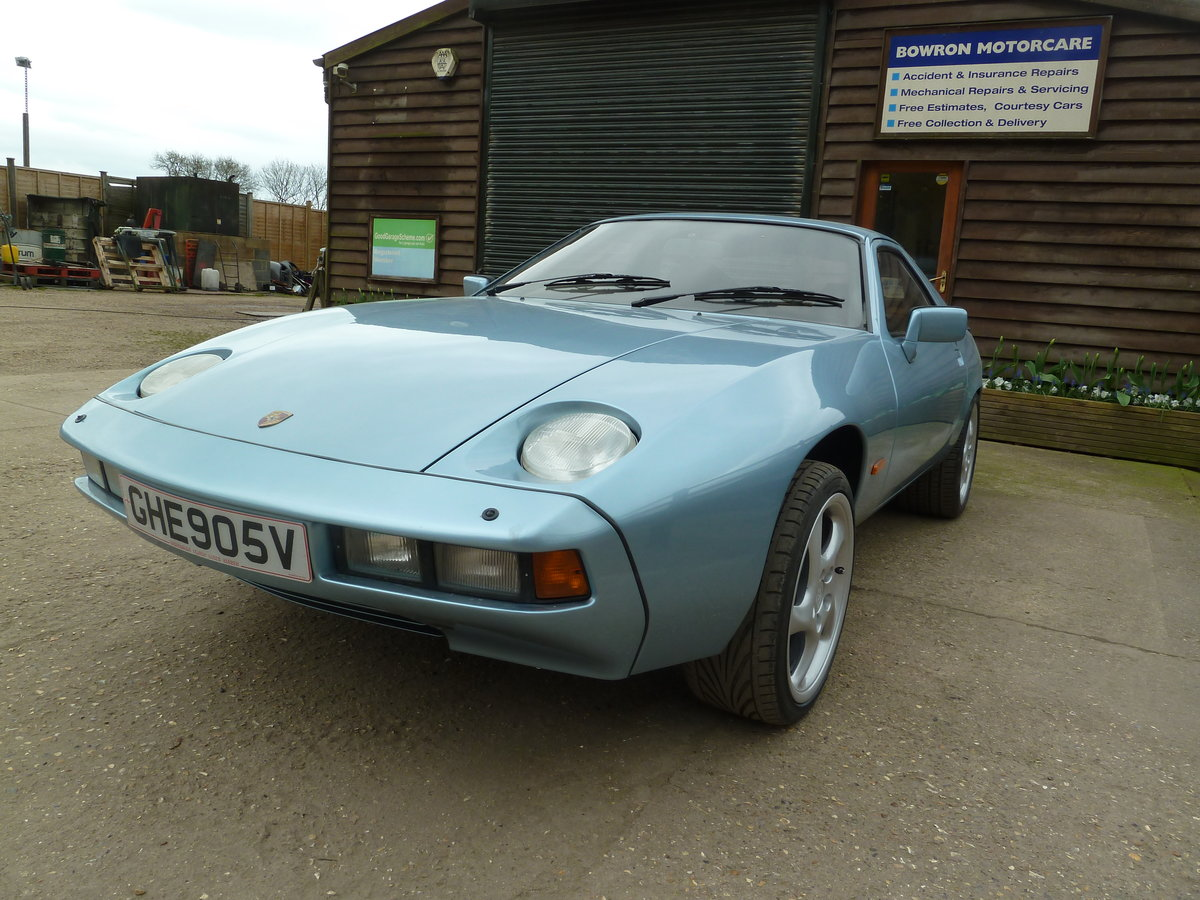 1979 Porsche 928 GT manual For Sale (picture 2 of 6)