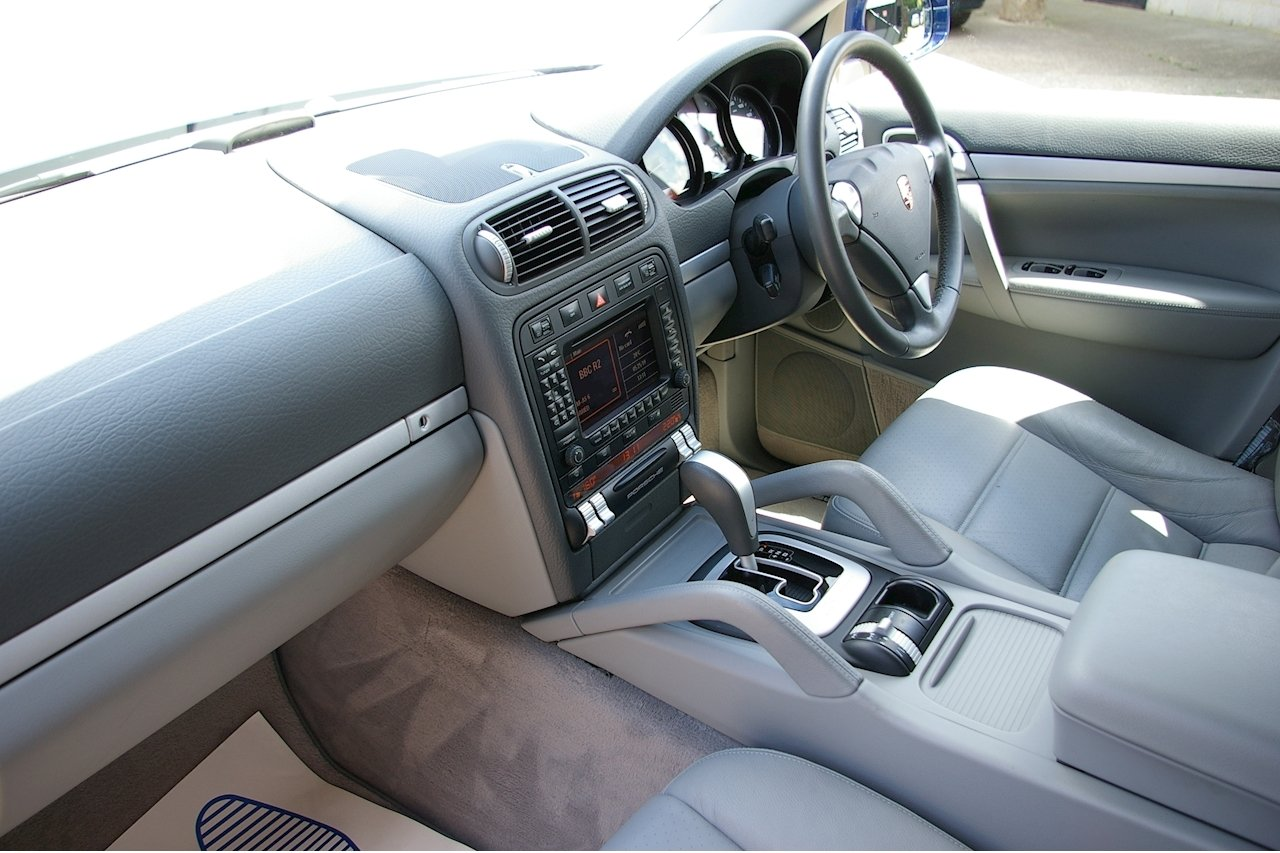 2007 Porsche Cayenne 3.6i V6 Tiptronic Auto AWD (35,000 miles)  SOLD (picture 4 of 6)