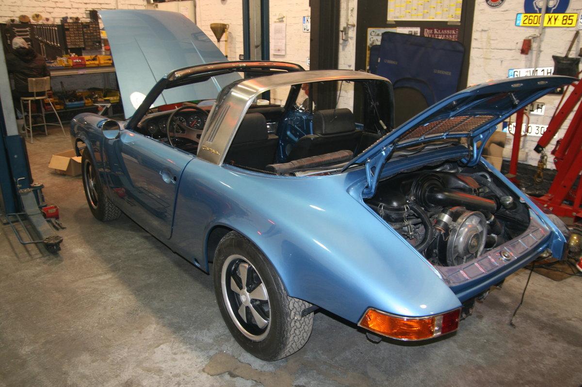 1969 Porsche 911  2.2 S Targa partially restored For Sale (picture 2 of 3)