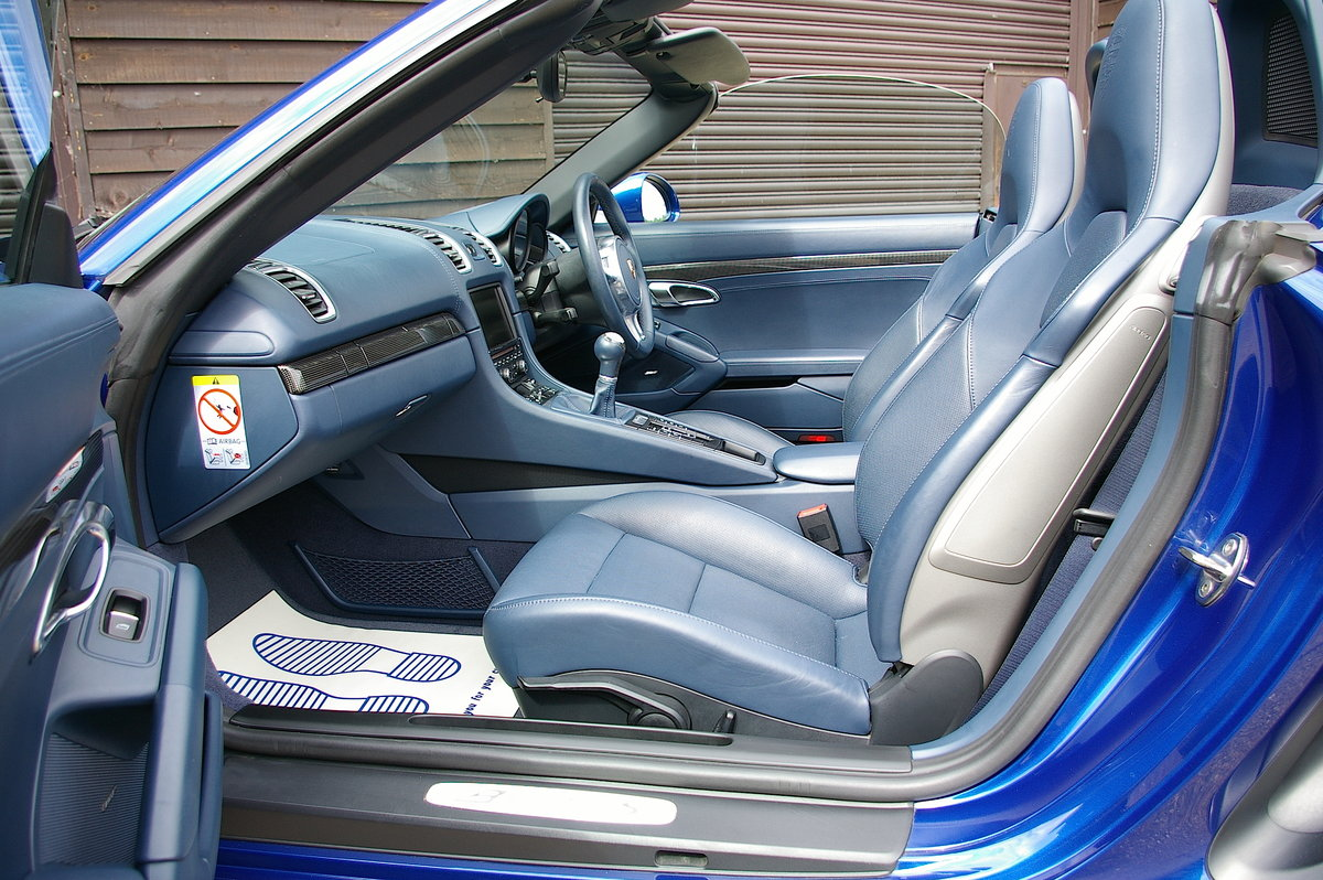 2013 Porsche 981 Boxster S 3.4 Convertible Manual (26,000 miles) SOLD (picture 4 of 6)