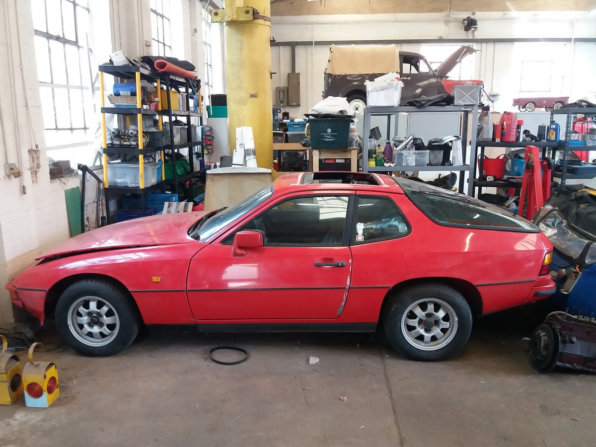 1982 Porsche 924 spares or repair SOLD (picture 1 of 6)