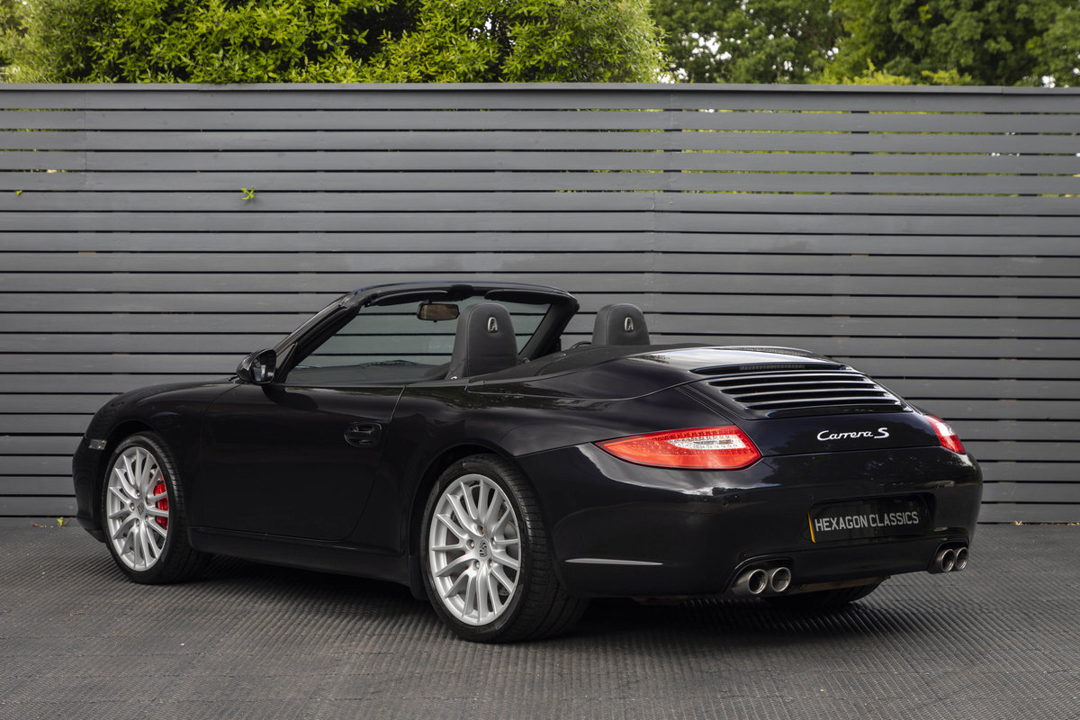 2010 Porsche 997 C2 S PDK CABRIOLET GEN II ONLY 10700 MILES SOLD (picture 2 of 6)