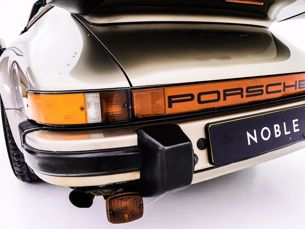 1984 PORSCHE 911 3.2 CARRERA CABRIOLET For Sale by Auction (picture 4 of 6)
