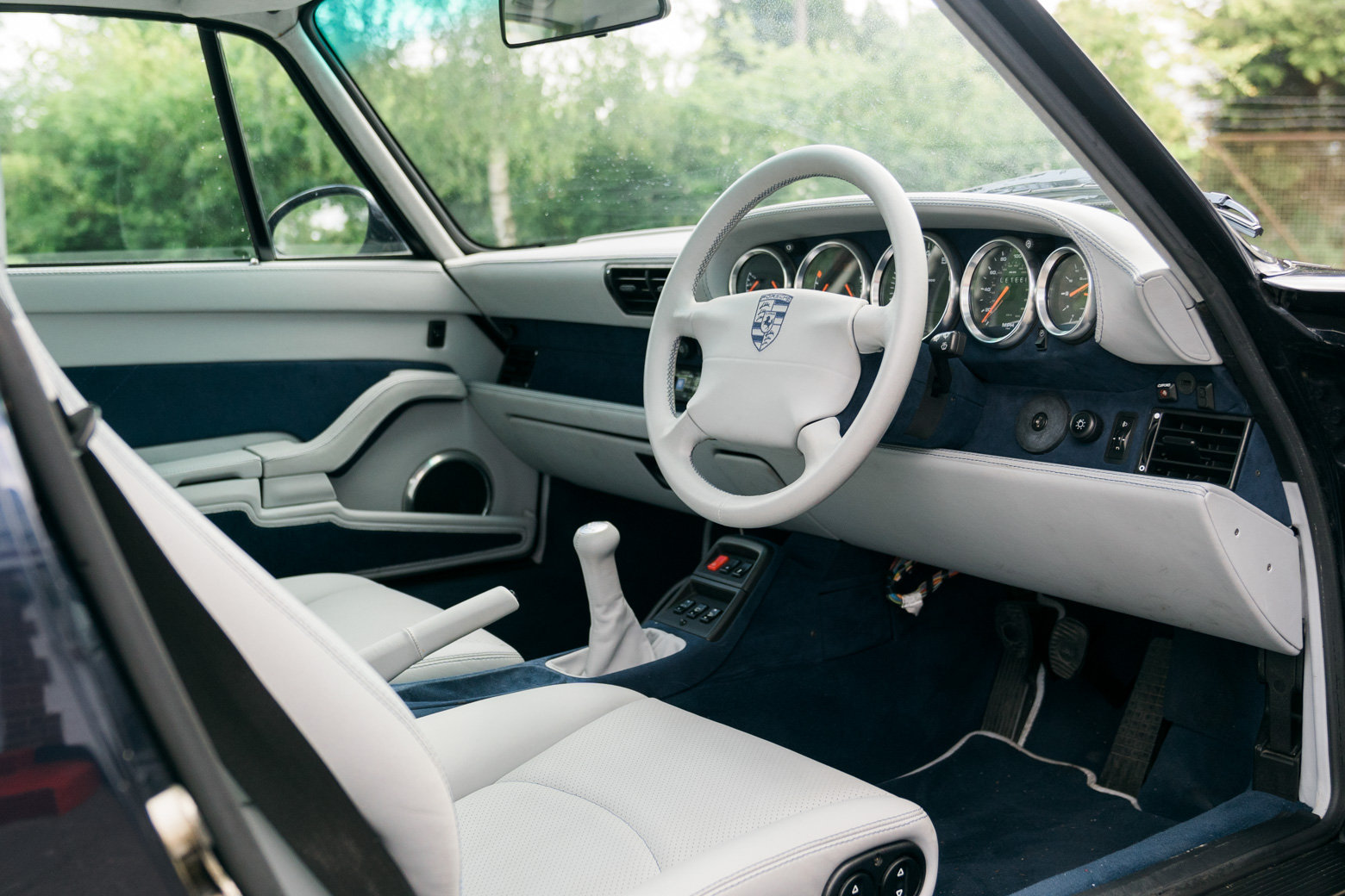 1995 Porsche 993 C4 Manual For Sale (picture 4 of 6)