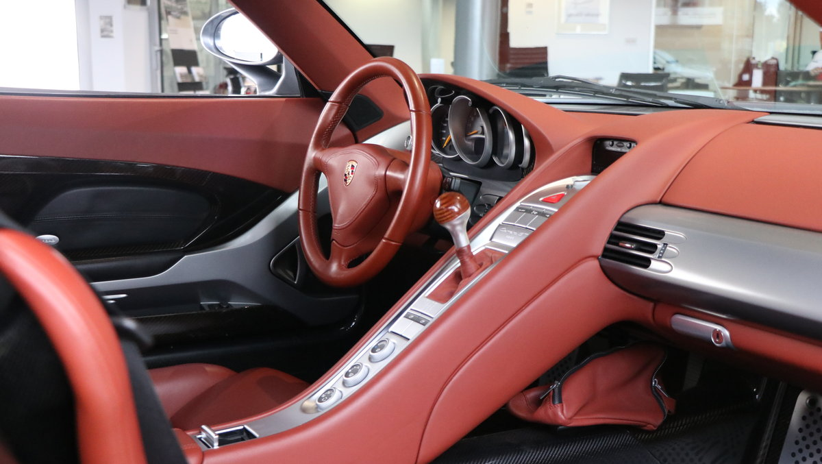2004 Porsche Carrera GT 2dr  For Sale (picture 4 of 6)