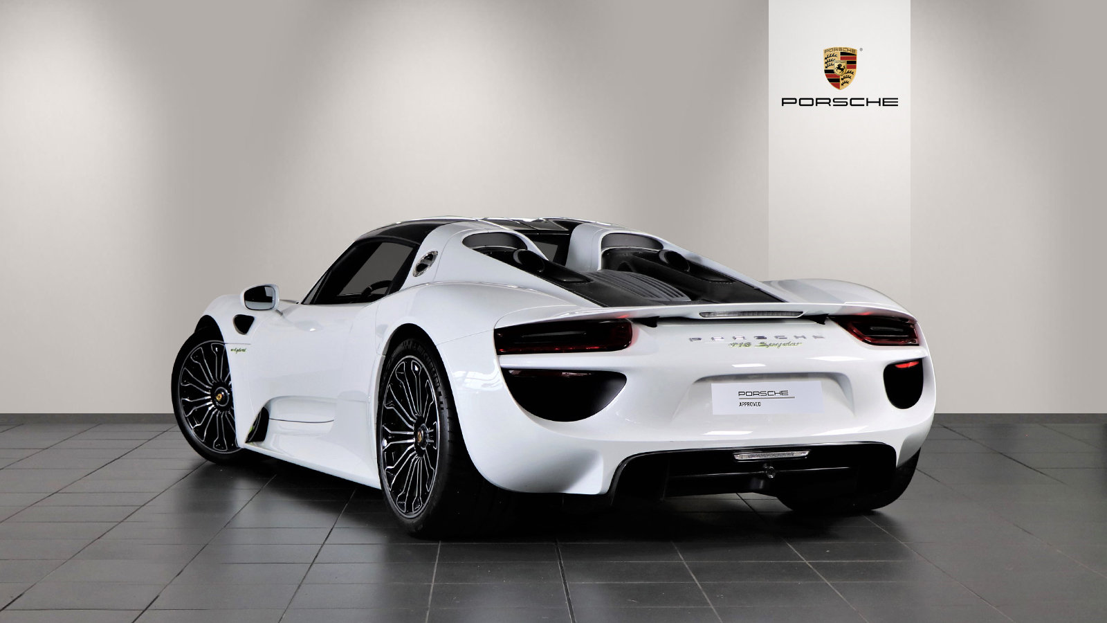 2015 Porsche 918 Spyder 2dr PDK For Sale (picture 2 of 6)