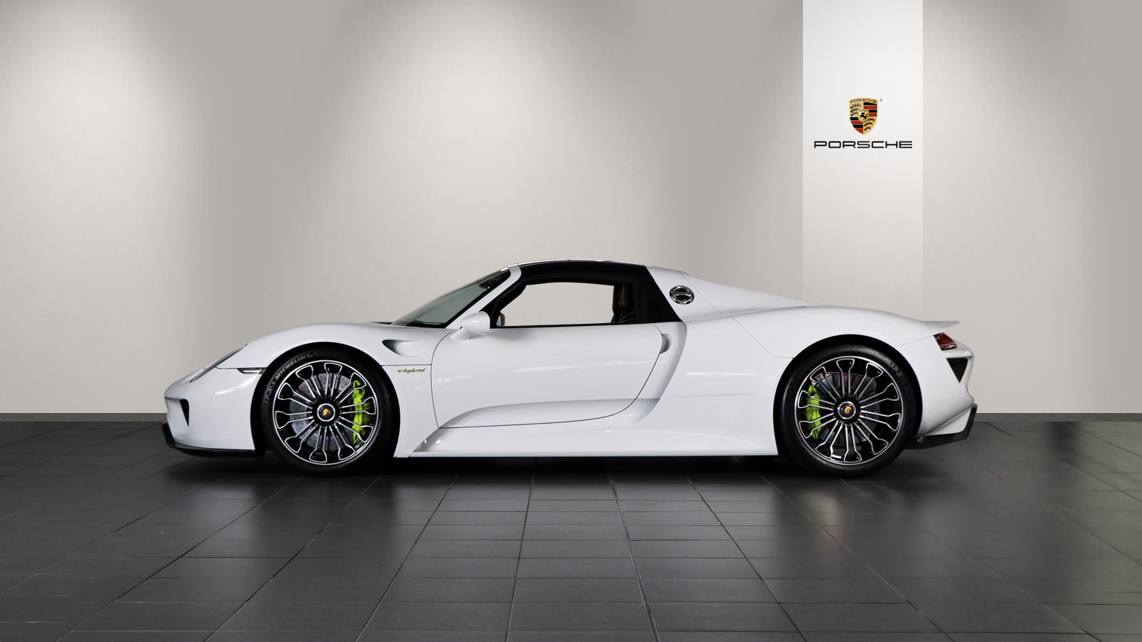 2015 Porsche 918 Spyder 2dr PDK For Sale (picture 3 of 6)
