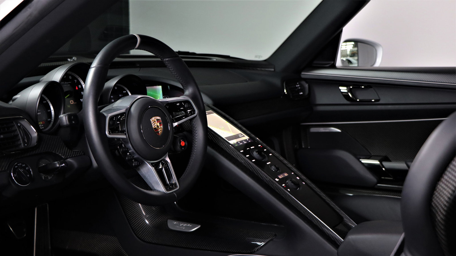 2015 Porsche 918 Spyder 2dr PDK For Sale (picture 5 of 6)