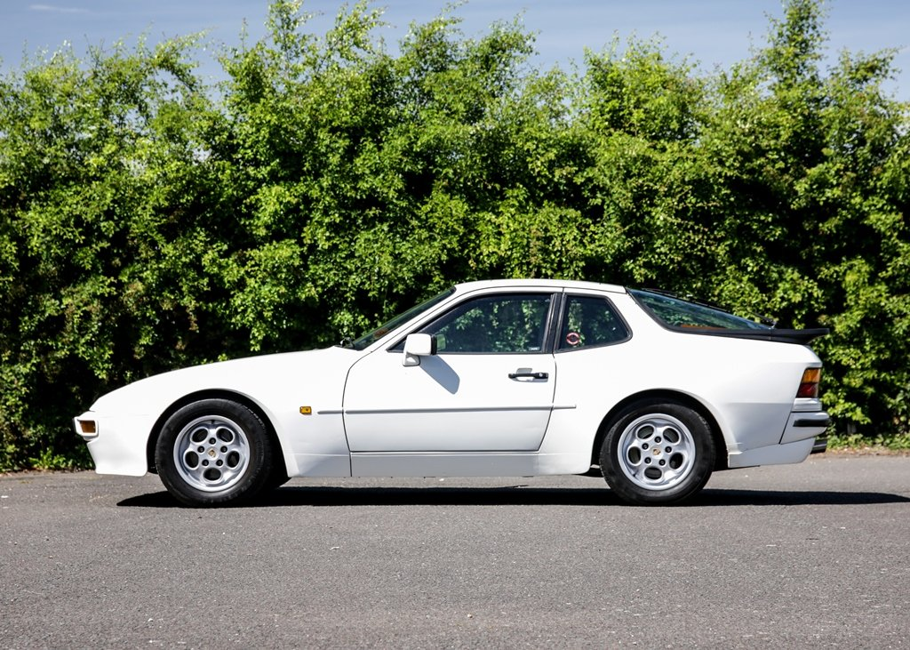 1989 Porsche 944 Lux SOLD by Auction (picture 2 of 6)