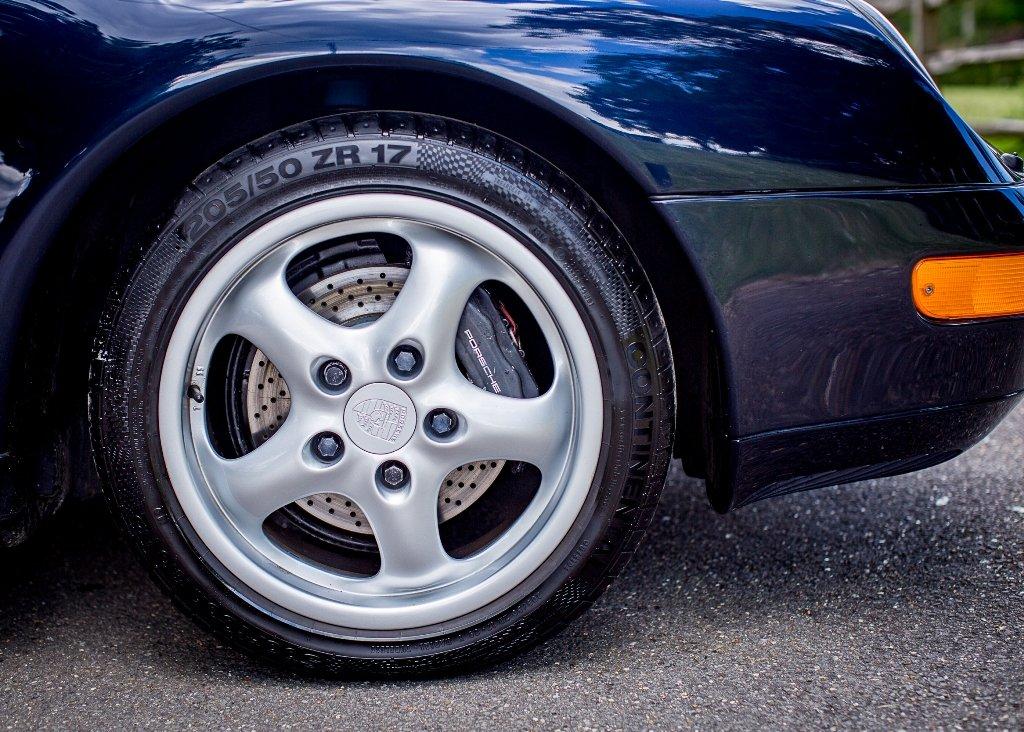 1995 Porsche 911  993 Carrera For Sale (picture 5 of 6)