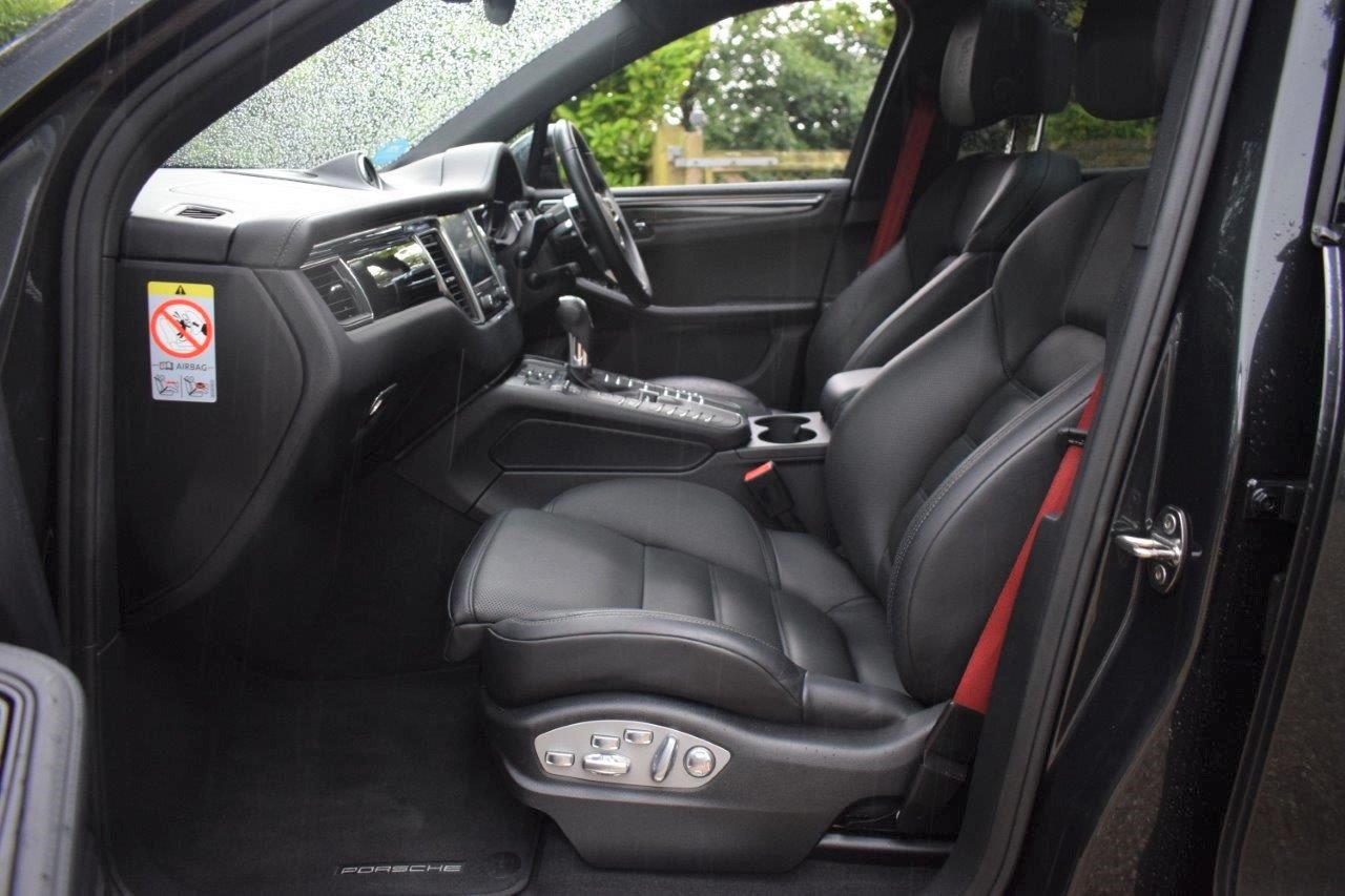 2016 Porsche Macan S V6D PDK  SOLD (picture 6 of 6)