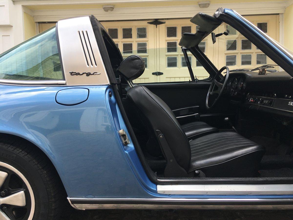 1972 Wonderful Porsche 911 2.4E Targa For Sale (picture 3 of 6)