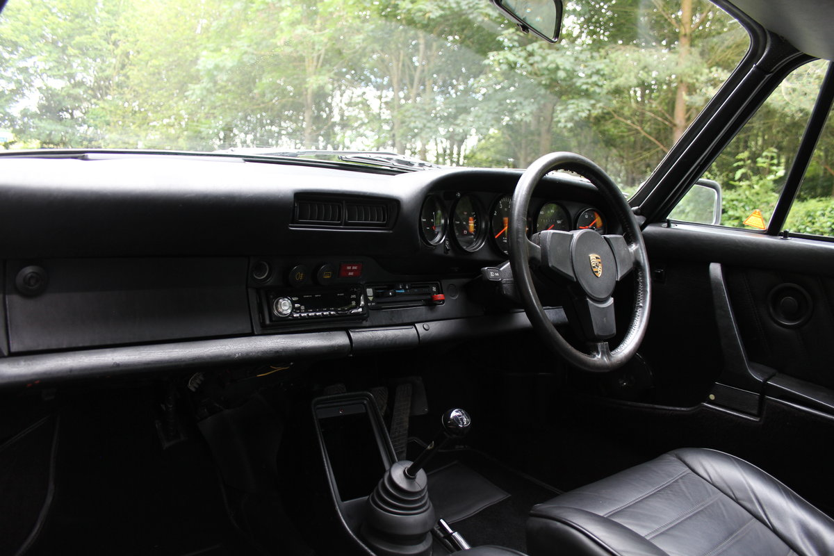 1976 Porsche 911S - Recent extensive European touirng SOLD (picture 9 of 12)