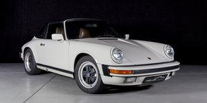 Rare colour 89 G50 3.2l Porsche 911 Targa