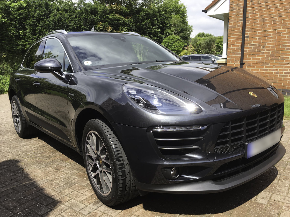 2016 Porsche Macan SD. Volcano Grey, £13k Extras For Sale (picture 1 of 6)