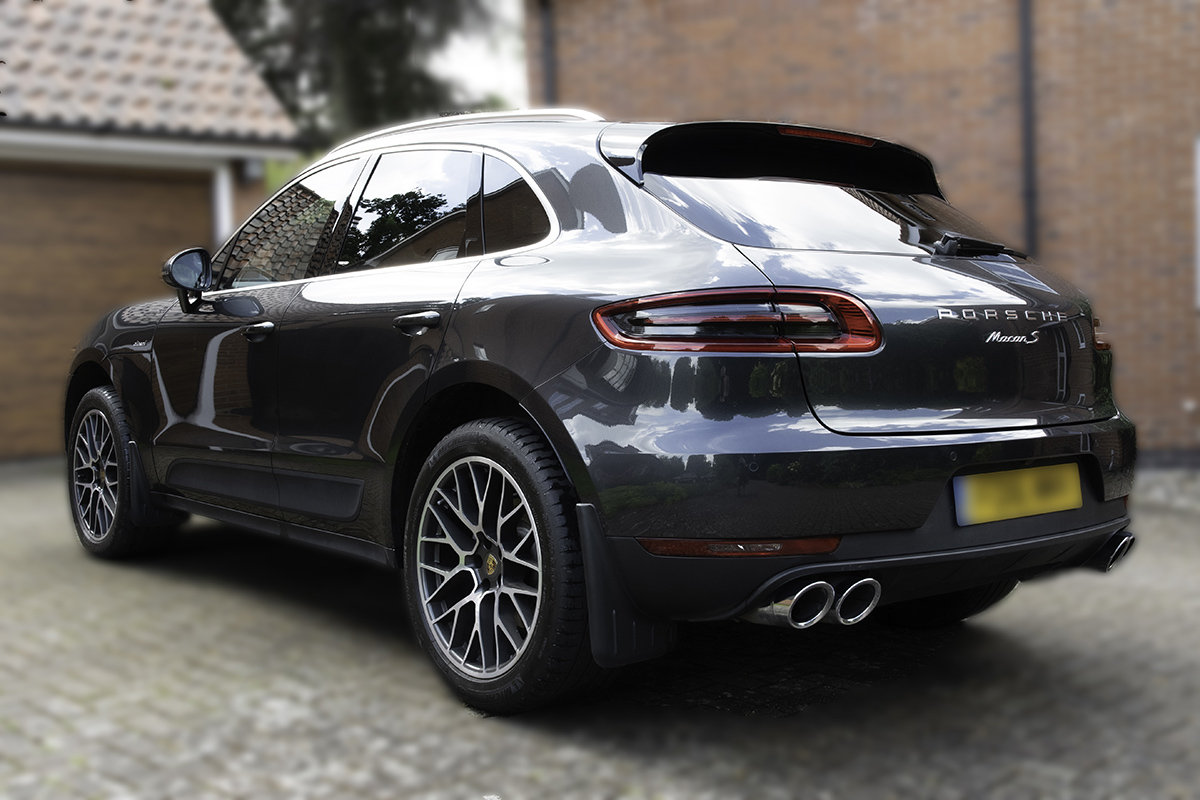 2016 Porsche Macan SD. Volcano Grey, £13k Extras For Sale (picture 2 of 6)