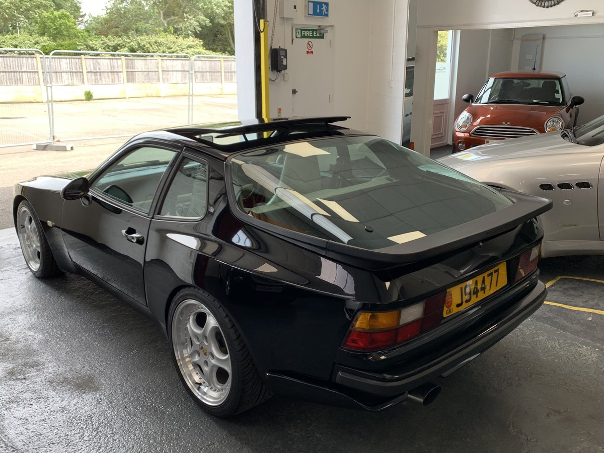 1987 Porsche 944 Turbo many improvements 300bhp For Sale (picture 2 of 6)