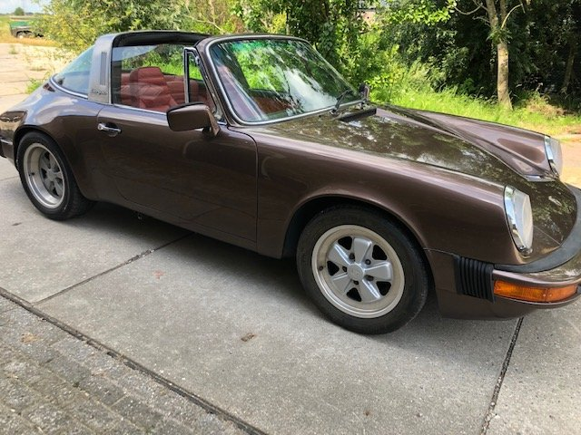 1976 porsche 911s LHD targa, fully nut and bolt restored For Sale (picture 2 of 6)