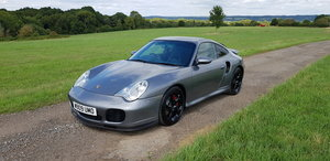 2000 PORSCHE 996 TURBO - MANUAL COUPE - 20 SERVICE STAMPS