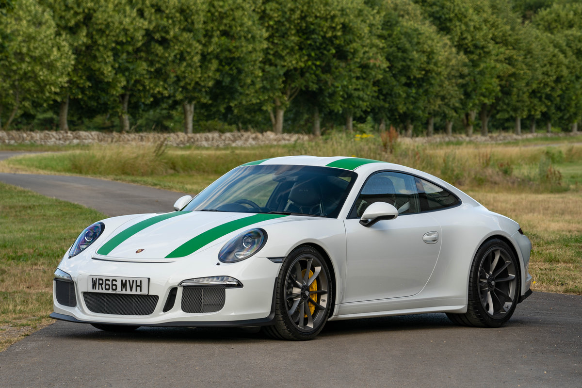 Porsche 911R 2016 - 150 MILES FROM NEW SOLD (picture 1 of 6)