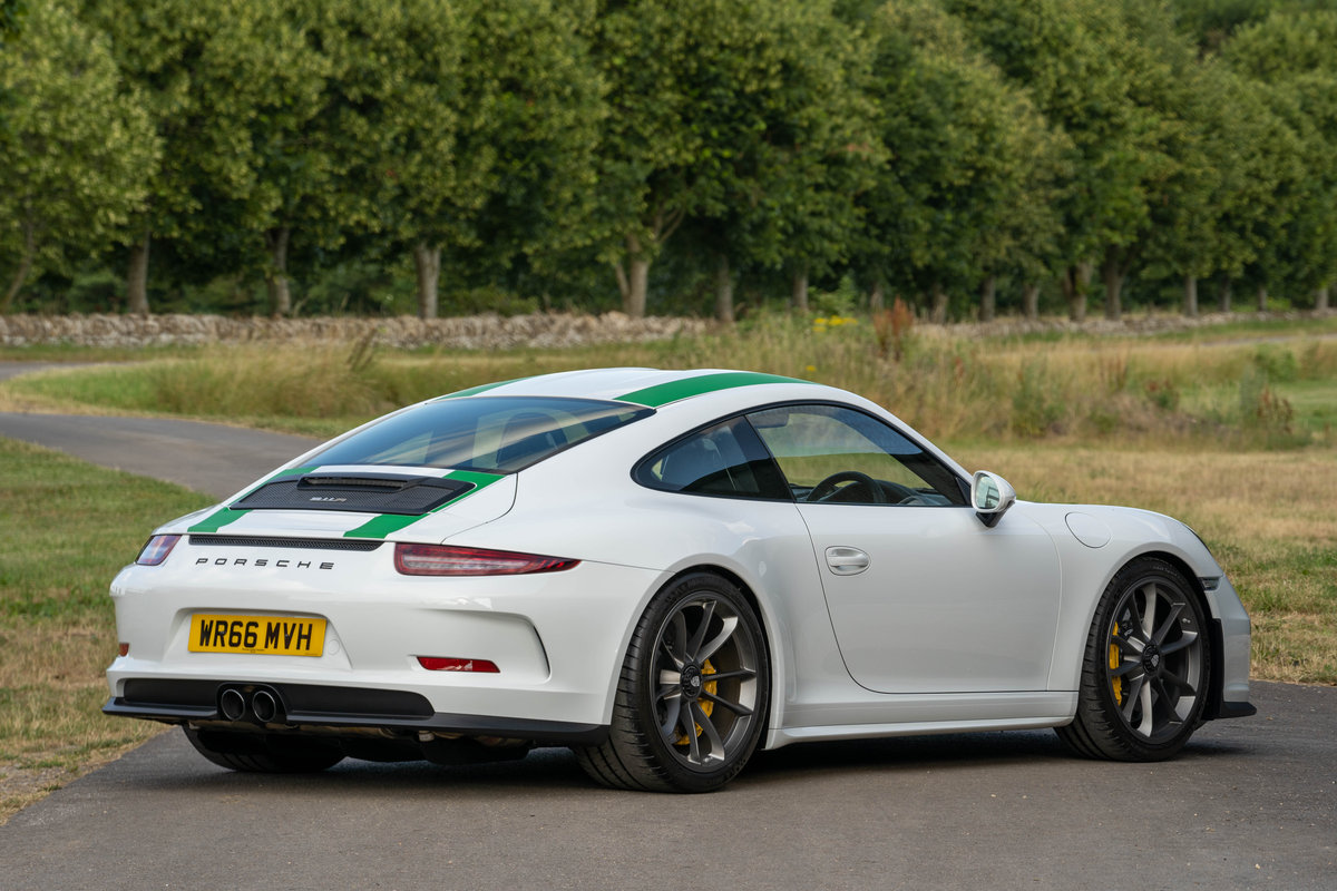 Porsche 911R 2016 - 150 MILES FROM NEW SOLD (picture 2 of 6)