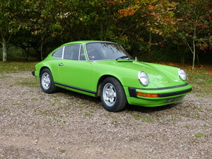 Porsche 911 2.7 Coupe LHD 1974 Lime green