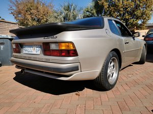 1986 Porsche 944 Turbo (low KM) For Sale