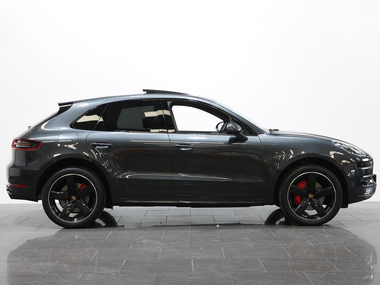 2017 17 17 PORSCHE 3.6T MACAN TURBO PDK AUTO For Sale (picture 2 of 6)