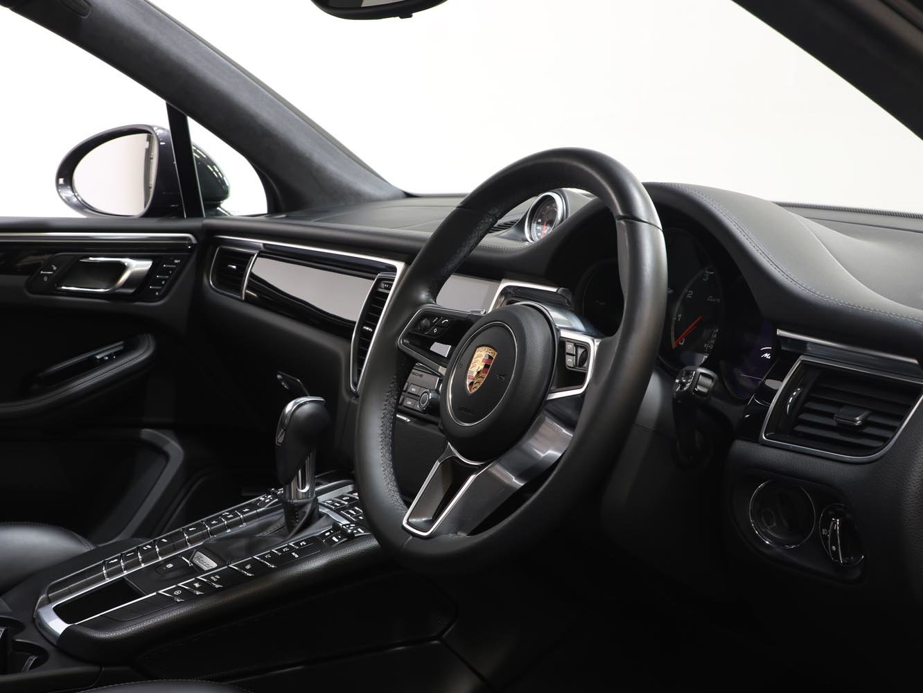 2017 17 17 PORSCHE 3.6T MACAN TURBO PDK AUTO For Sale (picture 4 of 6)