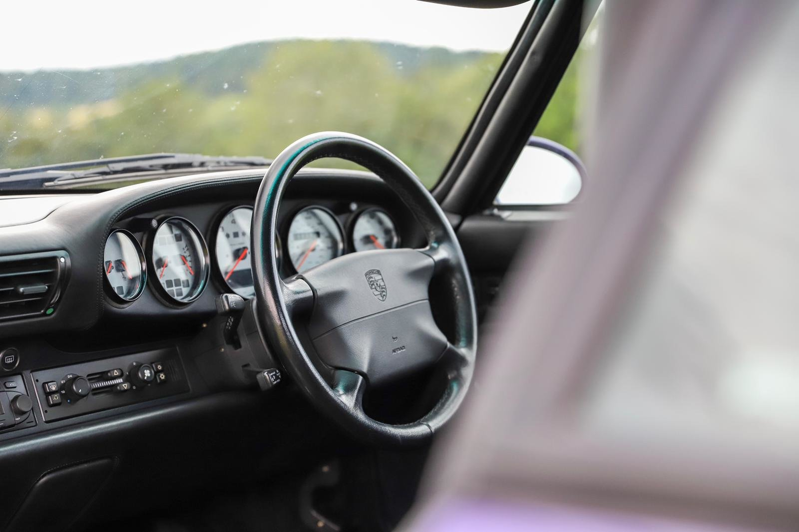 1998 RARE 993 LOW MILEAGE MANUAL C 4S - SPECTACULAR VIOLET BLUE   For Sale (picture 5 of 6)