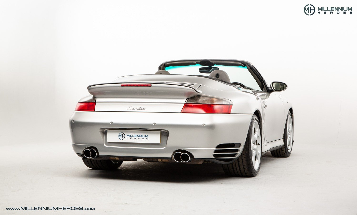 2004 PORSCHE 996 TURBO // X50 PACK // MANUAL // 19K MILES For Sale (picture 3 of 6)