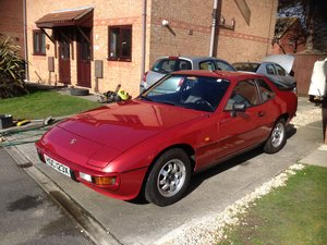 924 nearly immaculate and original,L/H drive.2+2
