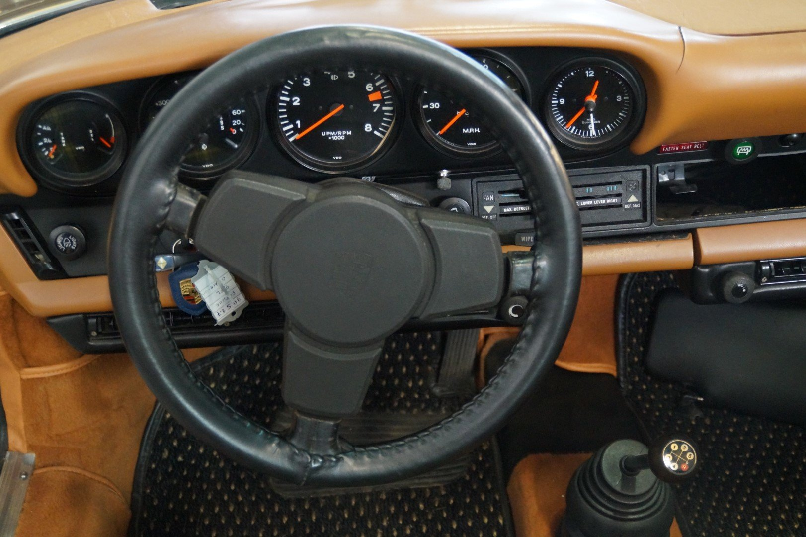 PORSCHE 911 911S 2.7 Targa Rare Colour Combination (1974) For Sale (picture 4 of 6)