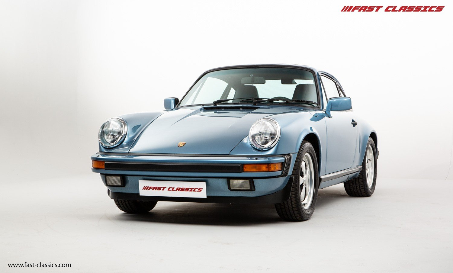 1986 PORSCHE 911 CARRERA 3.2 // IRIS BLUE WITH BLUE LEATHER  For Sale (picture 3 of 6)