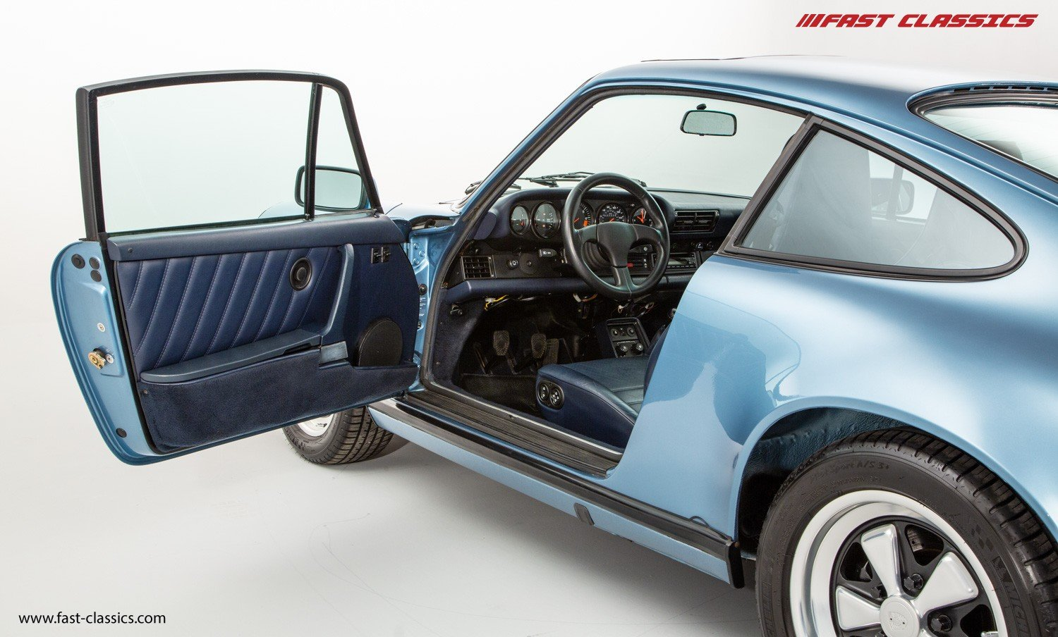1986 PORSCHE 911 CARRERA 3.2 // IRIS BLUE WITH BLUE LEATHER  For Sale (picture 4 of 6)