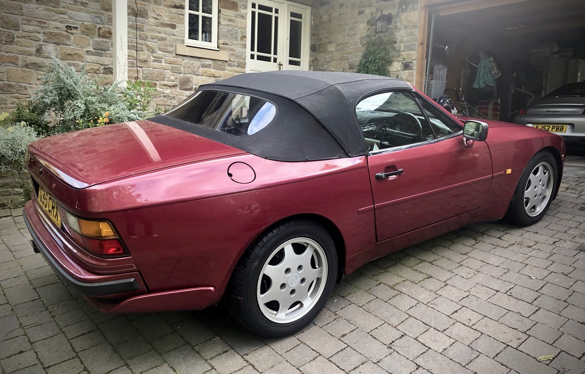 1990 944 Fantasic but affordable Porsche For Sale (picture 2 of 6)