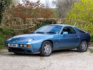 1986 Porsche 928 S2 Genuine ultra-low mileage.
