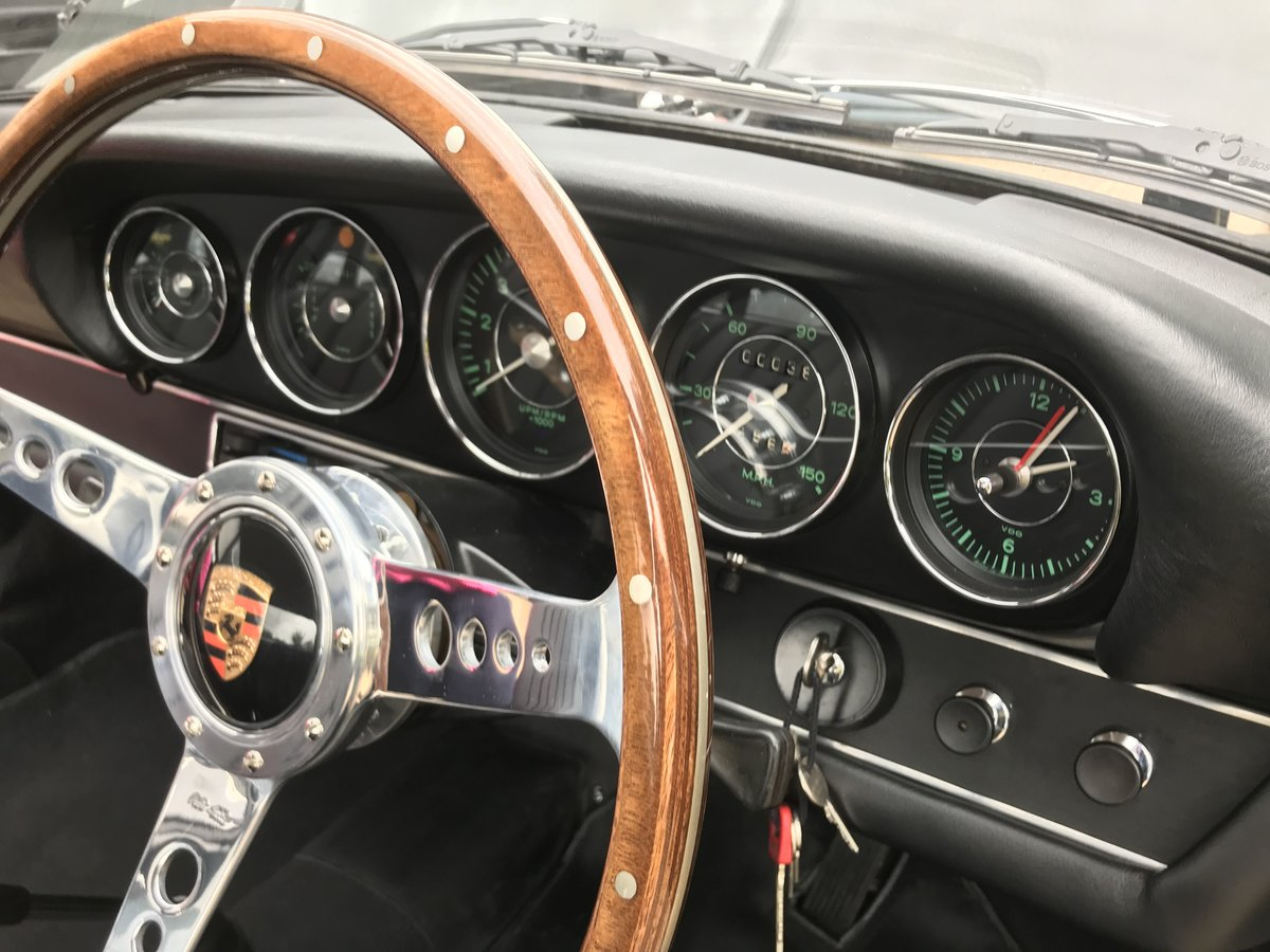 Porsche 911 T 2.0 Sportomatic 1969 rhd Coupe Fully Restored. For Sale (picture 2 of 6)