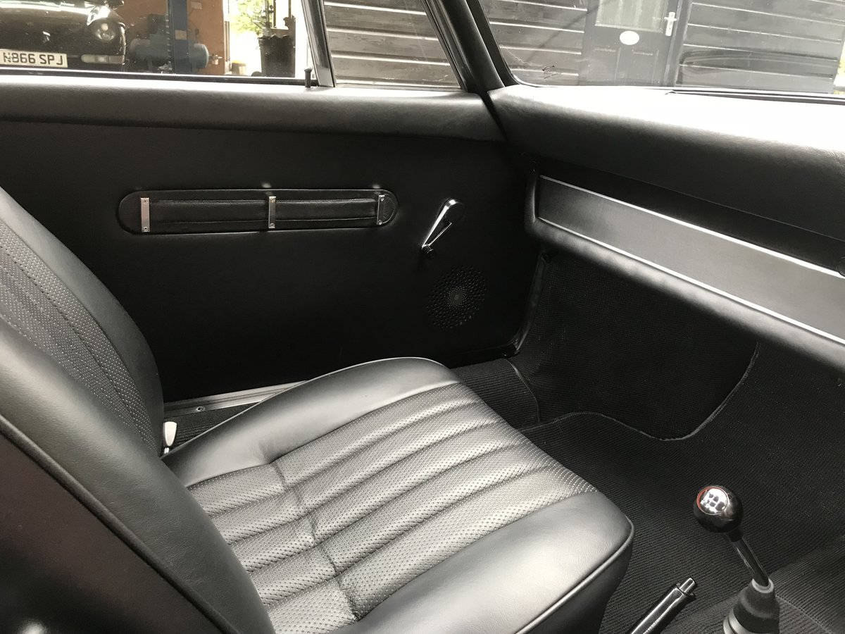 Porsche 911 T 2.0 Sportomatic 1969 rhd Coupe Fully Restored. For Sale (picture 4 of 6)