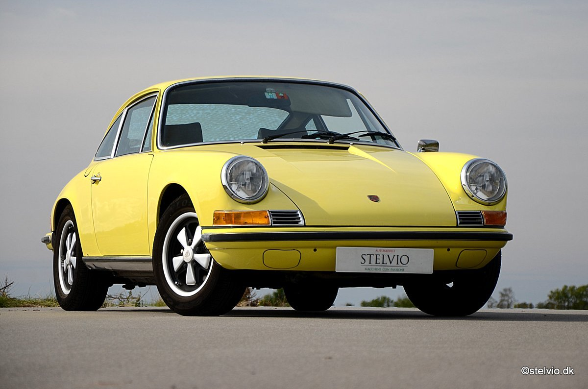 1972 Porsche 911 T 2.4 Pristine car with full matching numbers For Sale (picture 1 of 6)