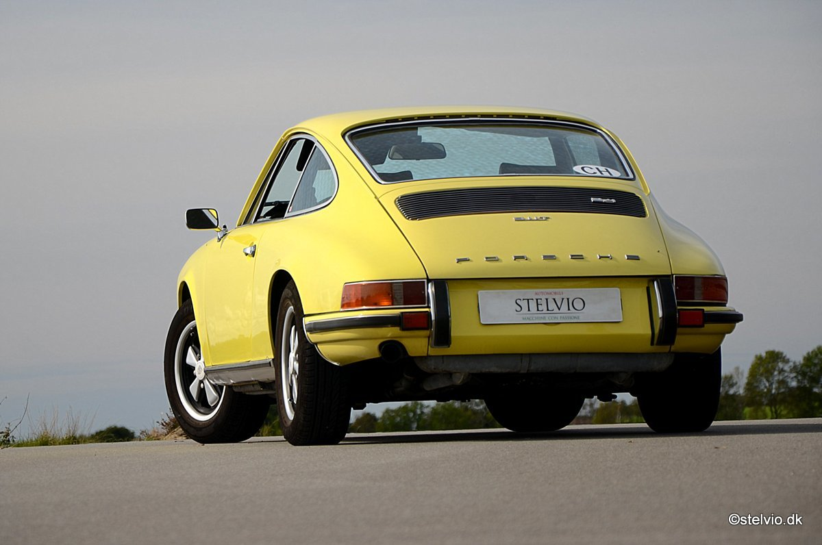 1972 Porsche 911 T 2.4 Pristine car with full matching numbers For Sale (picture 2 of 6)