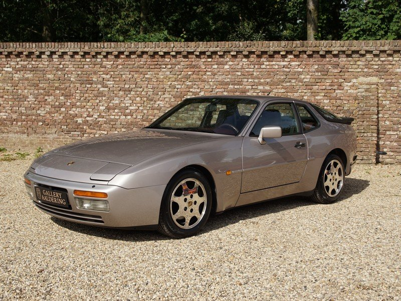 1988 Porsche 944 Turbo S 'Silver Rose' Edition M758 code. For Sale (picture 1 of 6)