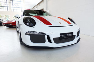 2016 580 kms only, one of 991 911 R's worldwide, superb For Sale