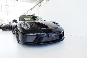 Picture of 2018 500 hp, manual, 1575 kms, Black with Red 911 GT3 SOLD