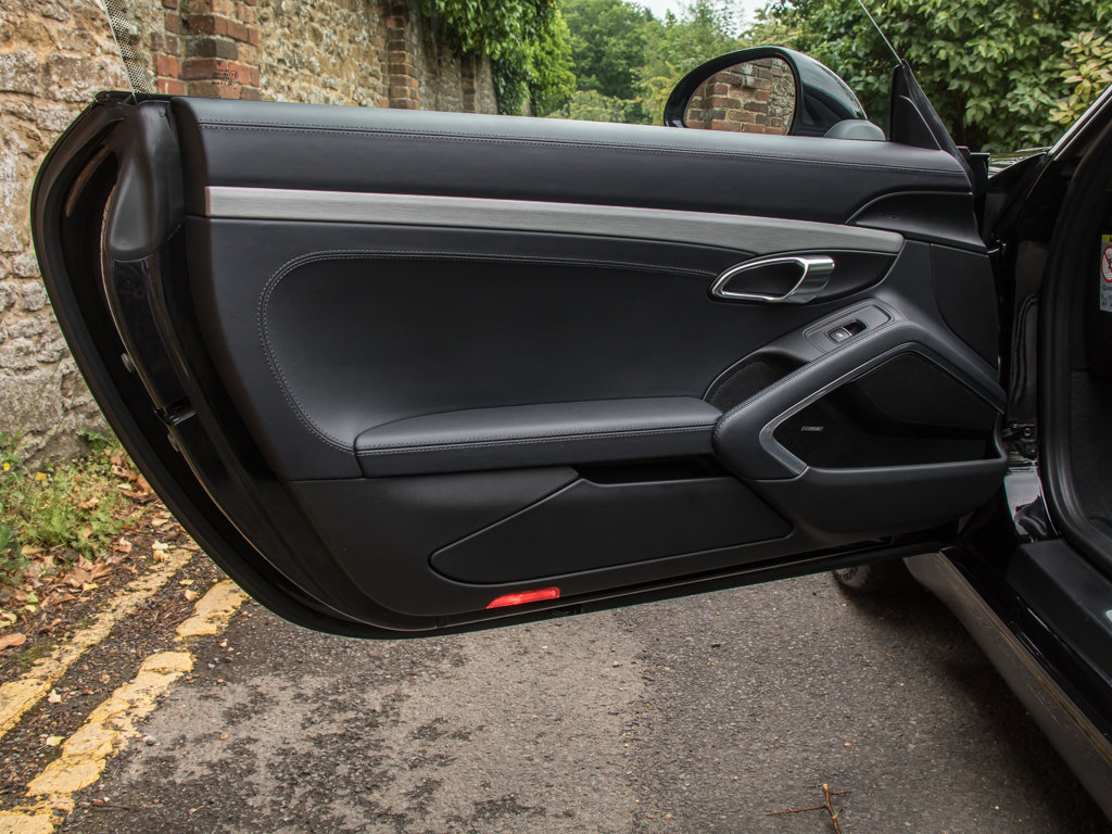 2015 Porsche (991) 911 Carrera S Coupe - PDK  Surrey Near London  For Sale (picture 10 of 18)