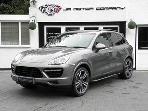 Picture of 2012 Porsche Cayenne 3.0 Diesel Tiptronic S Meteor Grey Huge Spec SOLD